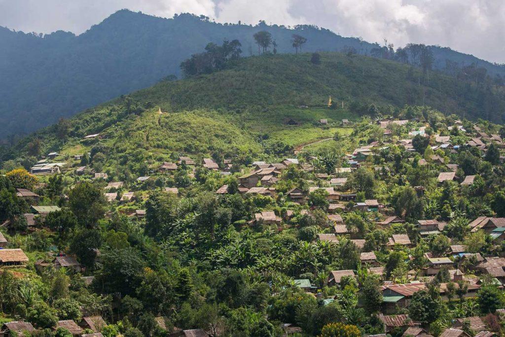 Fra Nord- til Sydthailand: Bjergstammer, Byliv og Badestrande (22 dage)