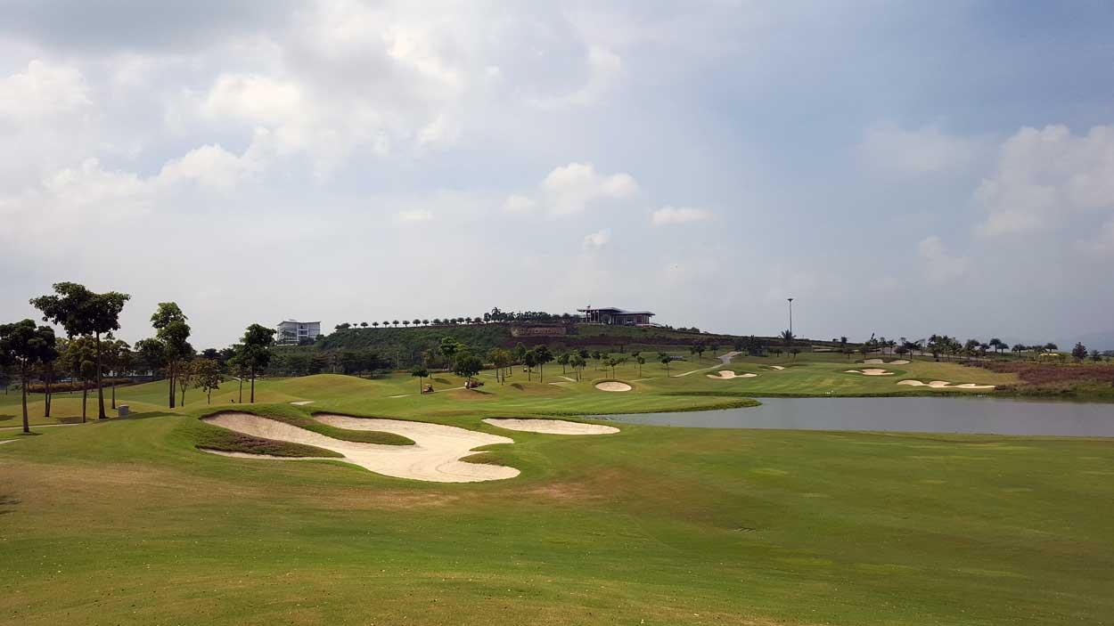 grand prix golf club kanchanaburi en af thailands allerbedste baner. Black Bedroom Furniture Sets. Home Design Ideas